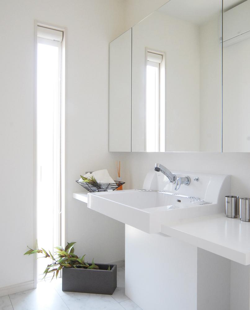 私たち建築家が注文住宅を、機能性や住みやすさだけでなくコストや建築費用にもこだわって家づくりをします。