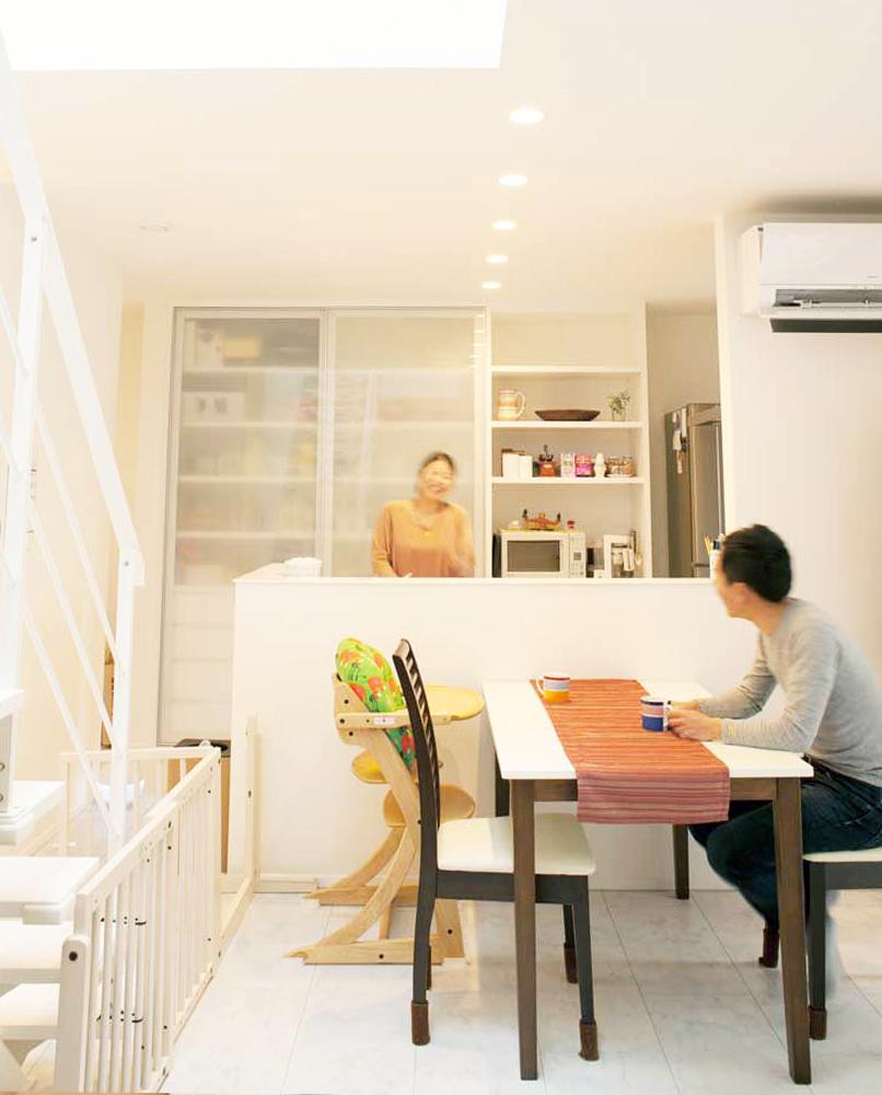 """足立区で注文住宅を提供している工務店です。""""高気密・高断熱""""""""高耐震""""""""自然素材""""の3つの安心を徹底した、デザイン性の高い、子や孫の代まで愛され受け継がれる家づくりを目指しています。"""